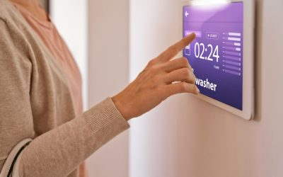 The Benefits of Smart Home Touch Screen Controllers and Remotes